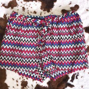 Flowy tie shorts   size large 🌻